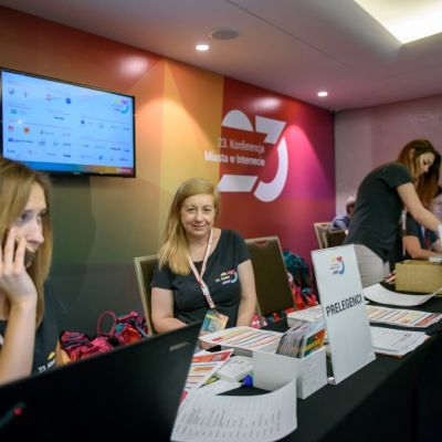 Rejestracja, kuluary, stoiska partnerów i sponsorów