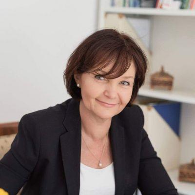 Dr Ewa Janczar
